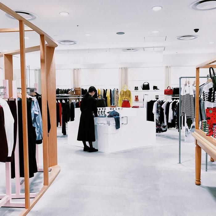 progettazione e arredamento negozi 02